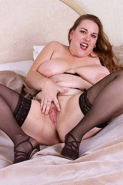 Busty BBW Spreading her Pussy