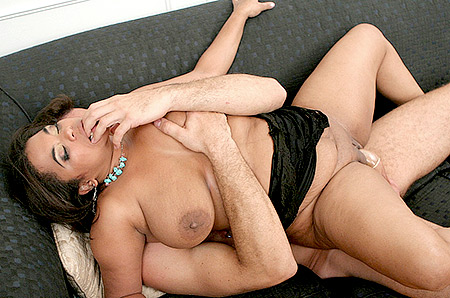 Exotic BBW Rides on Top