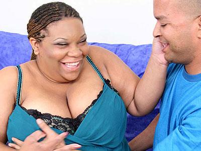 Ebony BBW Choclick Takes Pussy Pounding